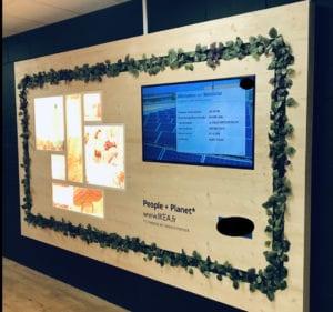 Découpe tableau en bois conçu pour accueillir les écrans d'IKEA METZ