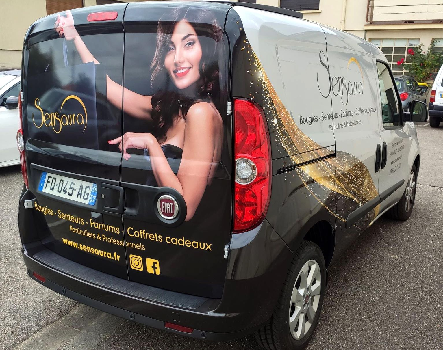 Sensaura-thionville-decoration vehicule sticker covering-marquage-adhesif-logotage-utilitaire-camionnette